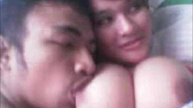 Seductora eurobabe sexo madre e hijo japoneses enculada por su novio