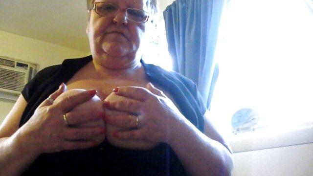 Pelirroja sexy en lencería negra sexy Dani mujeres xxx incesto Jensen martillado