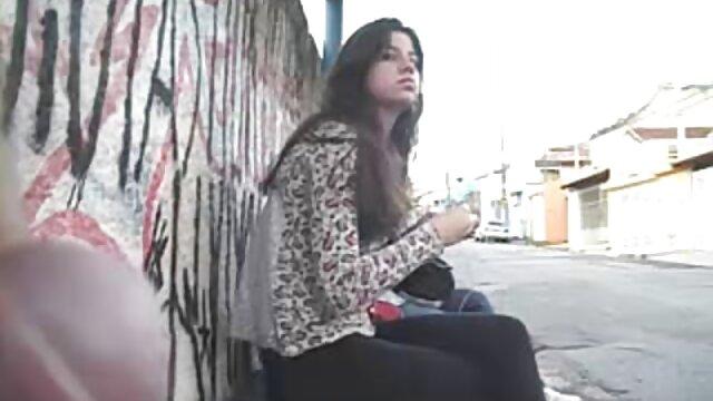 Chica tailandesa blanca pálida conoce a una extranjera blanca pálida a pelicula insesto español pelo